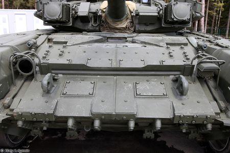 Soi ky the he dau cua dong xe tang T-90 danh tieng - Anh 8