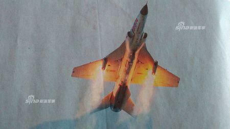 Kinh ngac nhiem vu cua may bay huan luyen JL-9 Trung Quoc - Anh 1