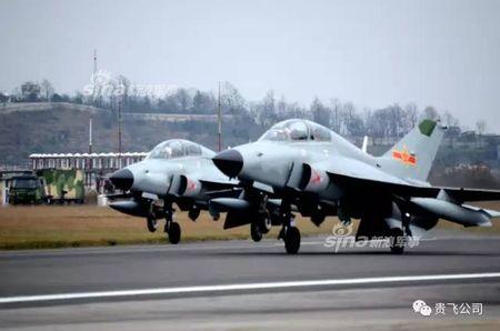 Kinh ngac nhiem vu cua may bay huan luyen JL-9 Trung Quoc - Anh 4
