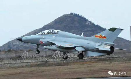 Kinh ngac nhiem vu cua may bay huan luyen JL-9 Trung Quoc - Anh 6