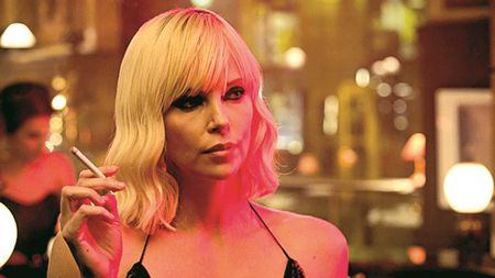 Charlize Theron vao vai diep vien trong phim moi - Anh 1