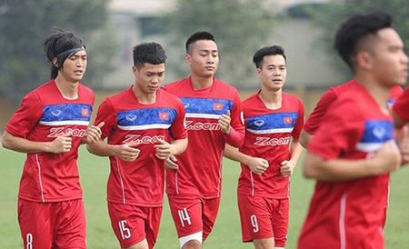 U22 Viet Nam thi dau voi 5 doi bong Han Quoc truoc SEA Games 29 - Anh 1
