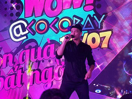 'Hotboy Vietnam Idol' Trong Hieu quay het minh voi khan gia Da Nang - Anh 9