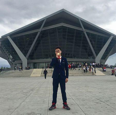 Bi quyet cua nam sinh gianh HCV Olympic Hoa: 'Vua hoc vua nghe nhac... cho tap trung' - Anh 1