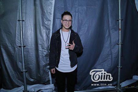 Soobin Hoang Son lan dau tien xuat hien sau khi bi hen ho Hien Ho o rap chieu phim - Anh 4