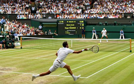 Wimbledon 2017: Federer rang ro len ngoi, Cilic khoc nuc no - Anh 5