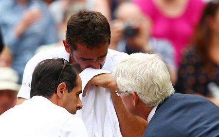 Wimbledon 2017: Federer rang ro len ngoi, Cilic khoc nuc no - Anh 6