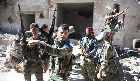 Tien sau vao sa mac Badiyeh, quan doi Syria thang lon - Anh 1
