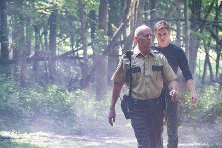 Bruce Willis bat ngo tung 'don quyet dinh' vao ten bat coc tre con - Anh 2