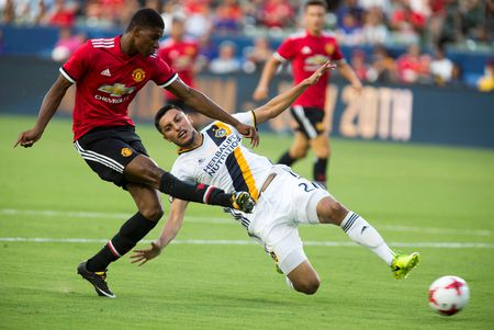 M.U thang tung bung trong tran giao huu voi LA Galaxy - Anh 1