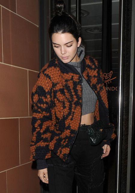 Dien lai tui loi thoi, Kendall Jenner van bien thanh trao luu moi - Anh 6