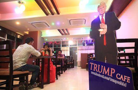 Cafe 'Donald Trump' hut khach tai Bangladesh - Anh 2
