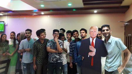 Cafe 'Donald Trump' hut khach tai Bangladesh - Anh 5