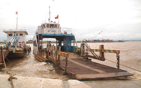 Hai Phong: Van con nhieu phuong tien bi ket lai tren dao Cat Hai - Anh 1
