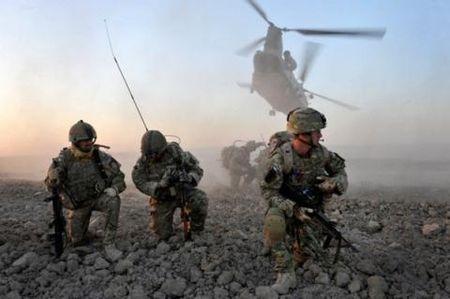 Tong thong Romania: NATO du suc chan dung Nga - Anh 1