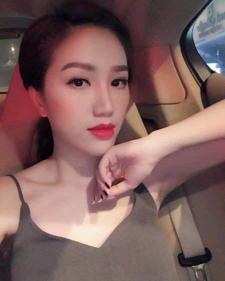 'Dung hinh' vi Bao Thy mac do o nha nong bong khong kem gi di boi - Anh 9