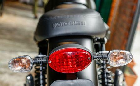 Phat them 2017 Moto Guzzi gia tu 35,5 trieu dong - Anh 6