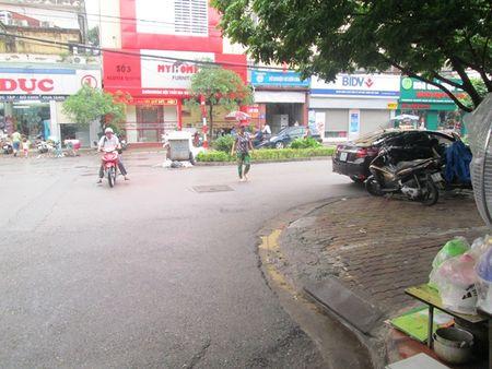 Vu PCT quan Thanh Xuan: 'Se khong co chuyen dung tung, bao che' - Anh 1