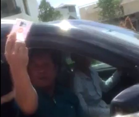 Trung tuong cu cai voi CSGT: 'Noi cho bo la xuc pham danh du toi' - Anh 1