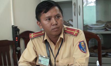 Trung tuong cu cai voi CSGT: 'Noi cho bo la xuc pham danh du toi' - Anh 2