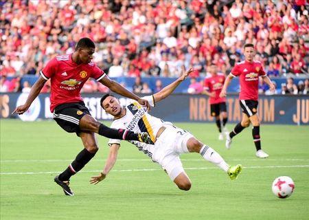 Mourinho noi ve y tuong su dung cap tien dao Rashford va Lukaku cho MU - Anh 3