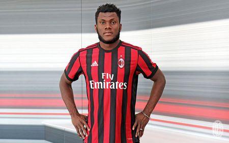 Bonucci va 10 bom tan cua AC Milan mua nay - Anh 1