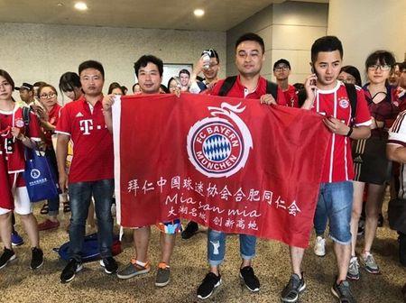 Muller thich thu voi su don tiep nong hau tu NHM Trung Quoc - Anh 3