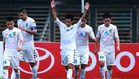 Ha Noi FC: Sau nhung cu vap la pha but toc - Anh 1