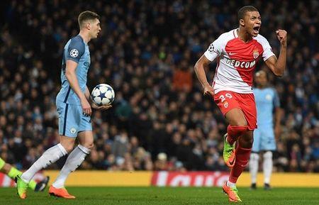 HLV Monaco lan dau len tieng ve tuong lai Mbappe - Anh 1