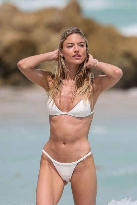 Nhung thuoc hinh bikini song dong nhat cua Martha Hunt - Anh 2