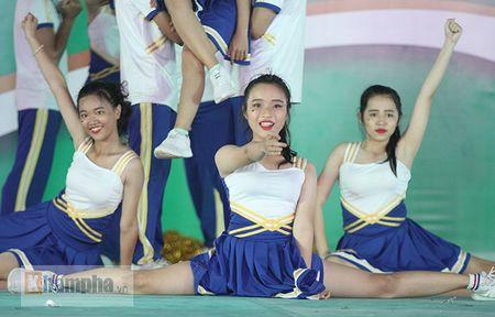 Dan nu sinh khoe tai sac tai giai the duc TPHCM 2017 - Anh 13
