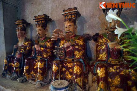 Choang ngop truoc ngoi chua co be the nhat Hung Yen - Anh 12