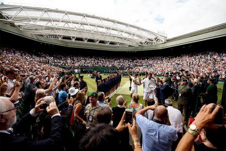 Roger Federer da tro thanh vi dai - Anh 5