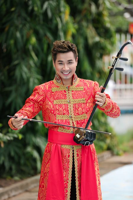 MC Nguyen Khang: 'Noi tieng chua bao gio la dich den cua toi' - Anh 2