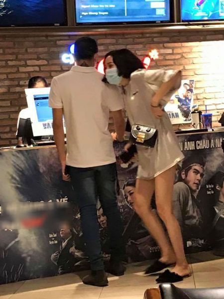 Lo anh om ap, Soobin Hoang Son va A quan The Voice 2017 Hien Ho len tieng - Anh 2