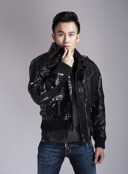 Duong Trieu Vu gop mat trong show dien voi cac nam danh ca 'gao coi' - Anh 4