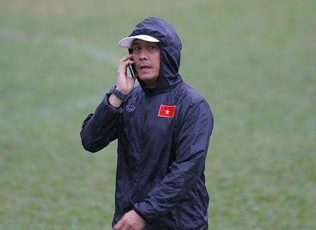 U23 Viet Nam: Tuan Anh tap hang say, HLV Huu Thang van chua vui - Anh 1