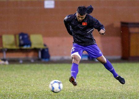 U23 Viet Nam: Tuan Anh tap hang say, HLV Huu Thang van chua vui - Anh 6