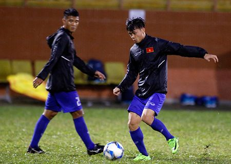 U23 Viet Nam: Tuan Anh tap hang say, HLV Huu Thang van chua vui - Anh 7