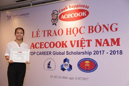 Acecook Viet Nam trao 60 hoc bong dong hanh cung sinh vien vuot kho - Anh 4