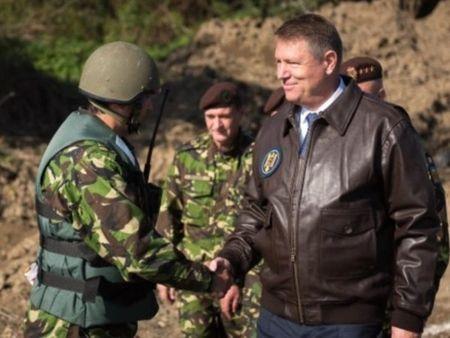 Tong thong Romania: NATO du suc ran de Nga - Anh 1