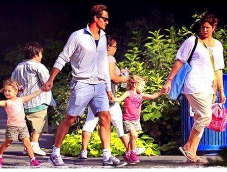 Ve dep man ma cua Mirka, nguoi giup Federer tro thanh thien tai trong lang bong ni - Anh 5