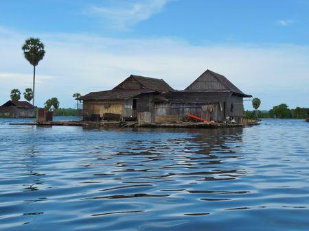 Ngoi lang troi noi theo chieu gio o Indonesia - Anh 1