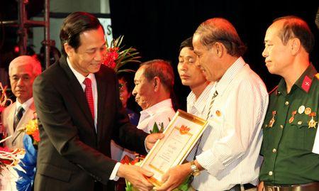 Gan 96% nguoi co cong duoc huong day du cac chinh sach uu dai - Anh 1