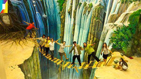 Bao tang 3D hoanh trang nhat mien Trung di vao hoat dong - Anh 1