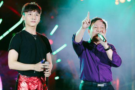 Man nhan voi man song ca cua Son Tung M-TP va Pho TGD Viettel - Anh 2