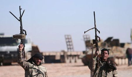 Syria: IS mat 35% dien tich Raqqa vao tay nguoi Kurd - Anh 1