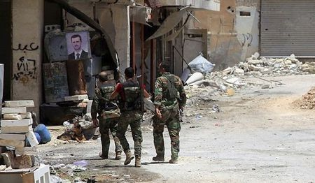 Quan doi Syria ap sat thanh tri al-Sukhnah, pha vong vay Deir Ezzur - Anh 1