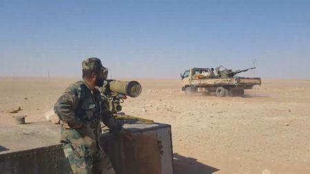 Khong quan Nga chi vien, 'Ho Syria' chiem them nhieu mo khi dot khi tien ve Homs - Anh 1