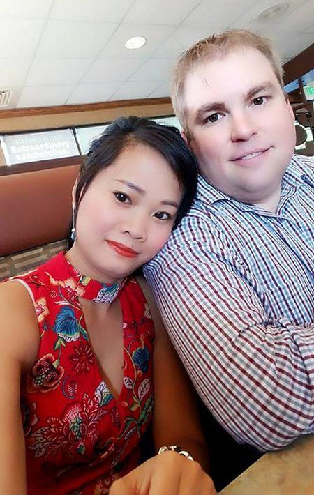 Co gai Viet duoc cong ty My chao don du khong bang cap - Anh 2
